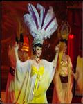 人妖歌舞剧场表演