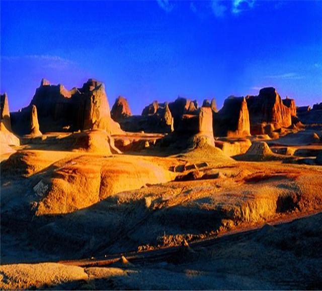 [经典发现--天池-喀纳斯湖-禾木-魔鬼城-吐鲁番汽车六日]新疆经典景点纯玩|贾登峪连住两晚