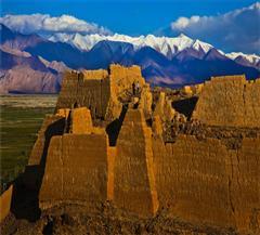[喀什-昆仑公路-帕米尔高原杏花-塔吉克人文-神秘蓝湖7日]早春摄影越野车团