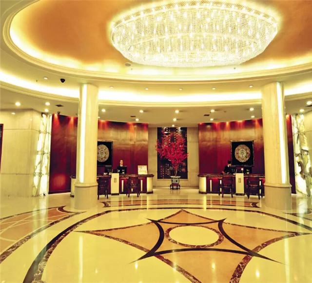 乌鲁木齐伊犁大酒店大厅