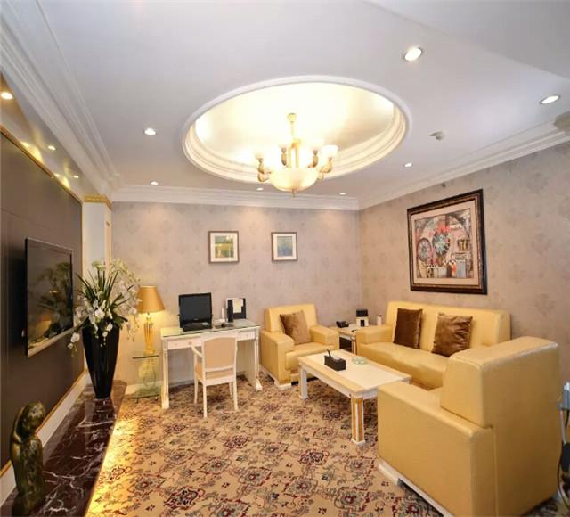 乌鲁木齐伊犁大酒店豪华套房
