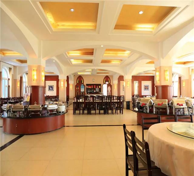 鸿福生态度假酒店餐厅
