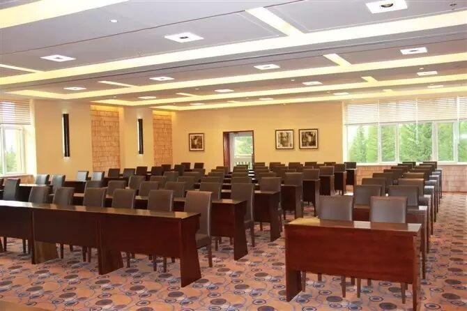 喀纳斯援疆干部中心会议室