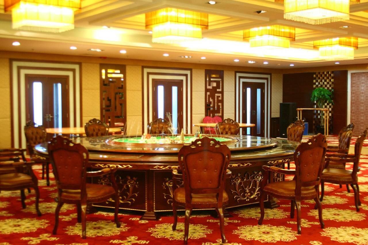 哈密巴里坤蒲类海酒店餐厅1