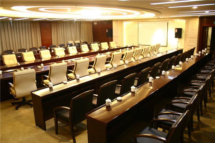 哈密巴里坤蒲类海酒店会议室
