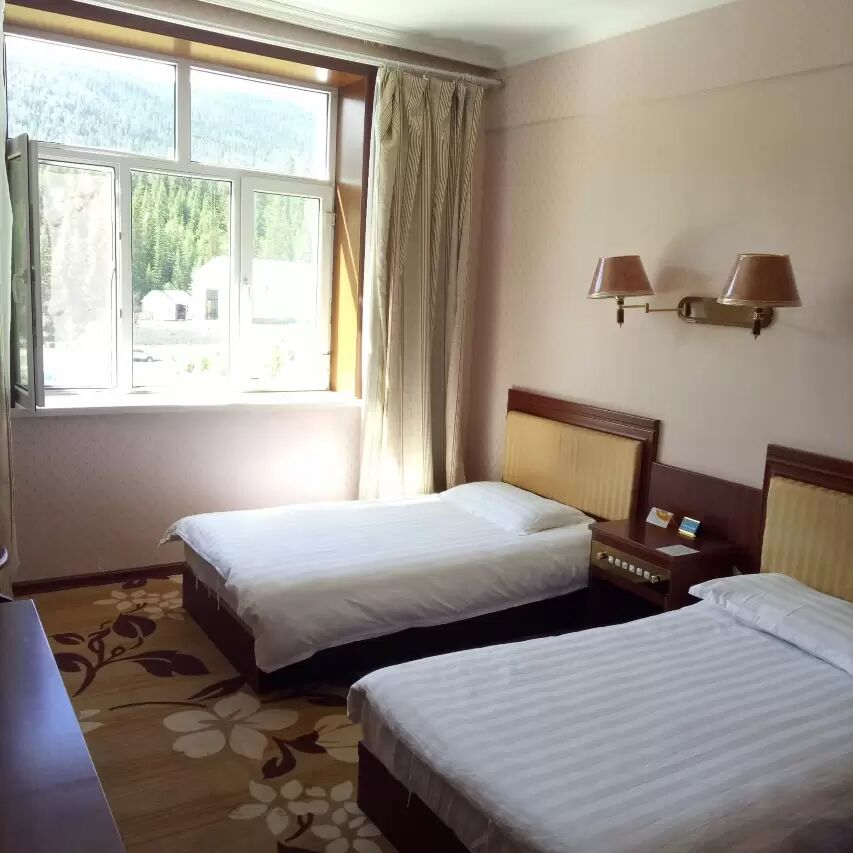 贾登峪军粮苑酒店标准间