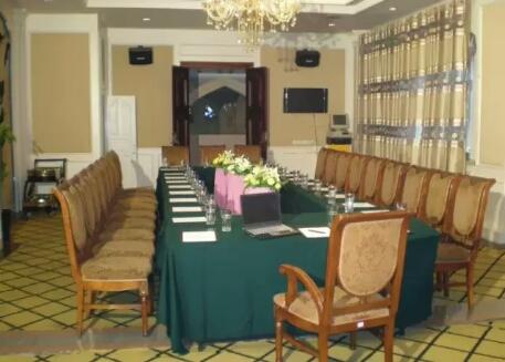 乌鲁木齐突玛丽斯大饭店会议室
