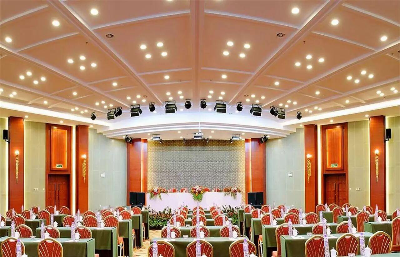喀纳斯机场天缘酒店会议室