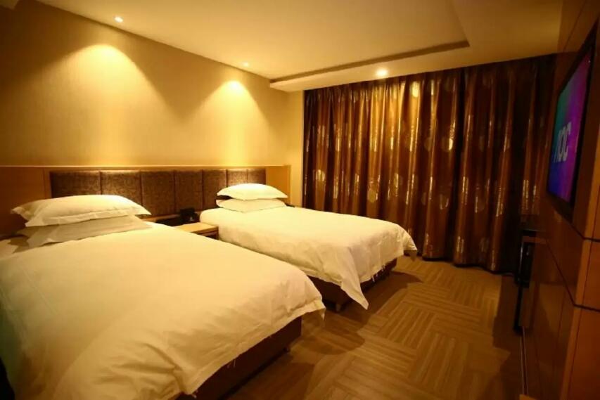 乌鲁木齐孔雀都城酒店(原孔雀大厦)高级商务双床房