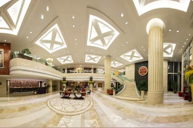 乌鲁木齐中和大酒店大厅