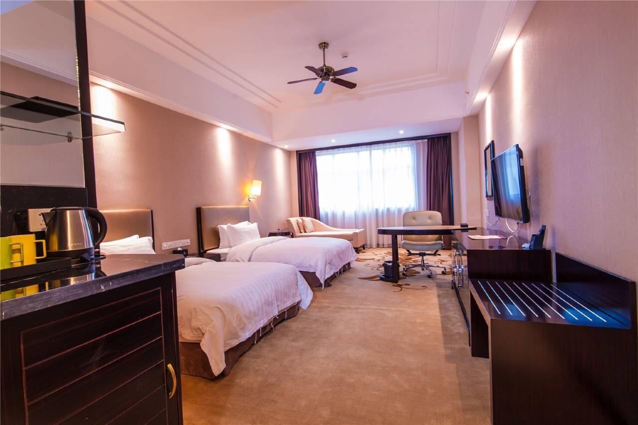 哈密红星建国饭店高级商务双床间1