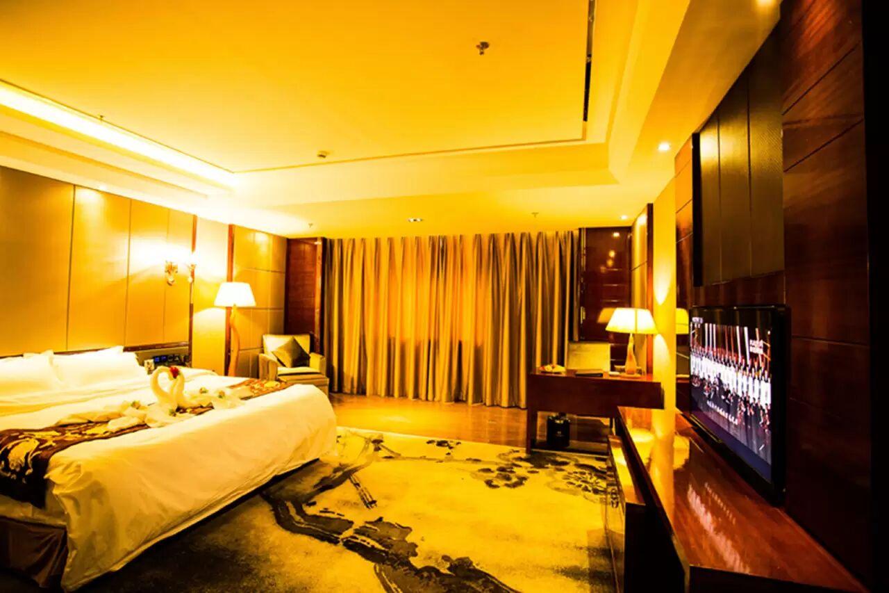 湘溢海川国际酒店豪华单间