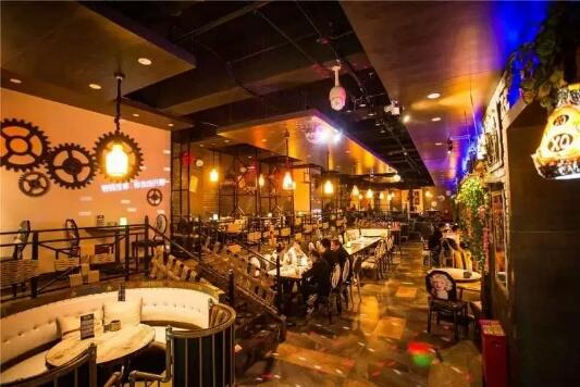 昌吉华东·容锦国际酒店酒吧