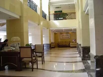 喀什塔里木石油酒店大厅