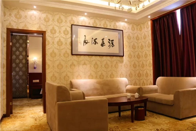 特克斯源龙西秦大酒店