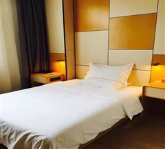 石河子星程酒店大床房
