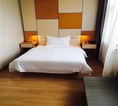 石河子星程酒店高级大床房