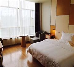 石河子星程酒店零压豪华大床房