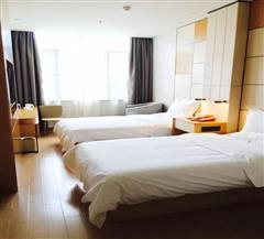 石河子星程酒店双床房