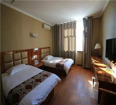 布尔津津汇商务酒店豪华双人房