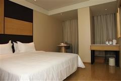 全季酒店大床房