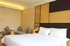 全季酒店高级大床房