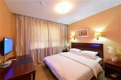富蕴额尔齐斯大酒店大床房