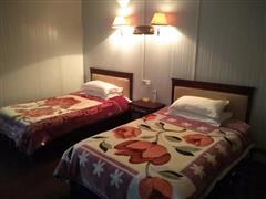 那拉提草原假日度假酒店  豪华地暖双人床